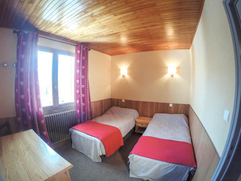 Appartement t4 avec 3 chambres de 94m2 avec deux balcons for Chambre 9 5m2